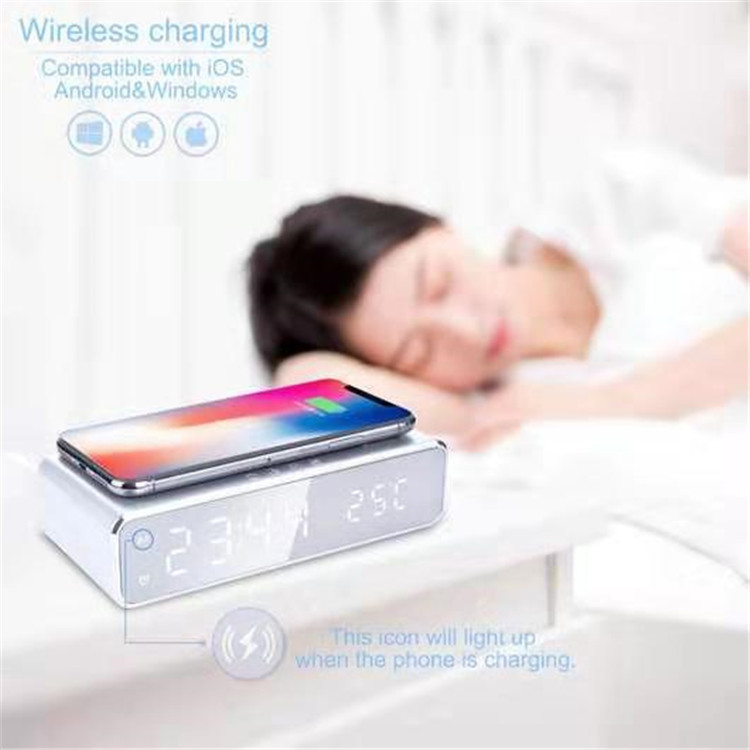 K123 Qi 10W cell phone quick Wireless Charger with clock Universal Wireless Charger for iPhone Samsung fast charger